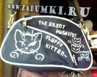Разрисовала сумку акрилом - кошками.  Все это светится в неоне.